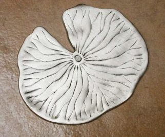 "4"" Lily Pad Tile - D. Weeks"